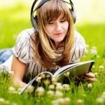 Ran ans Mikrofon! Warum Self-Publisher Podcasts für ihr Buchmarketing nutzen sollten.